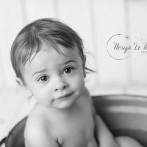 Photographe Bébé Enfant Bain Noir et Blanc